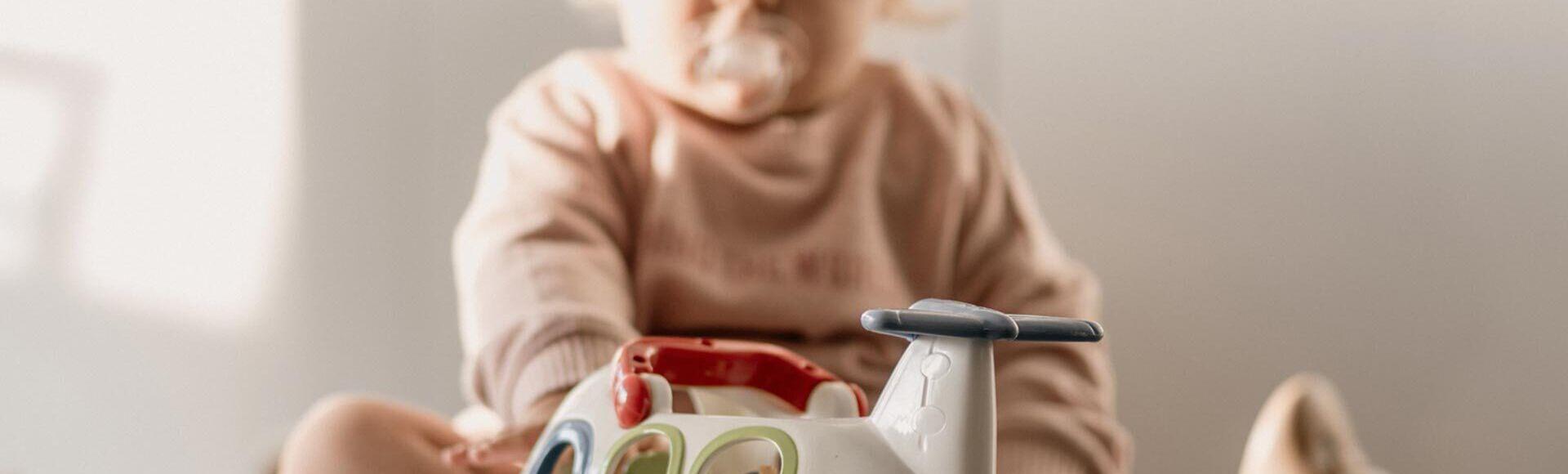 Desinfectar los juegues del bebé
