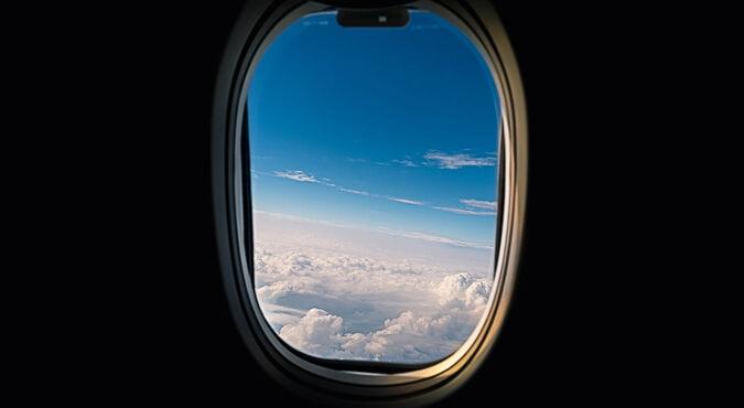 Consejos para viajar en avión con tu bebé
