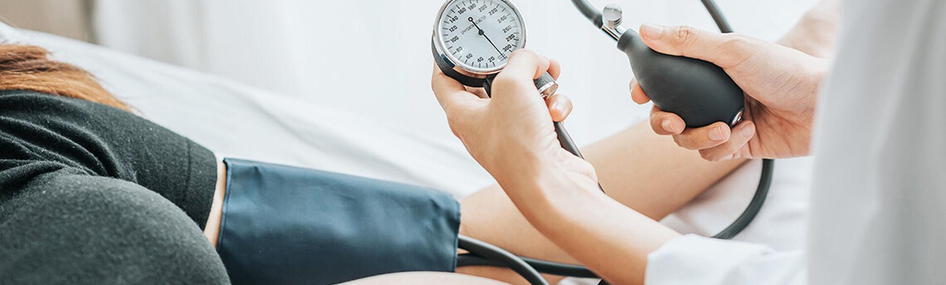 Presión arterial ideal durante tu embarazo  | Más Abrazos by Huggies